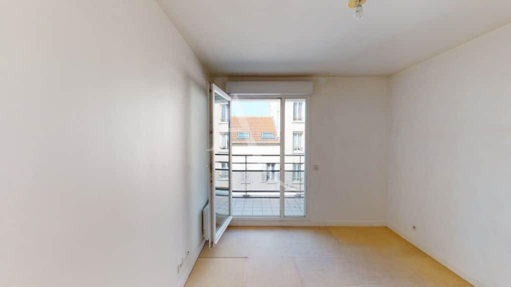 agence immobilière alfortville: 3 pièces 57 m², chambre à coucher avec balcon