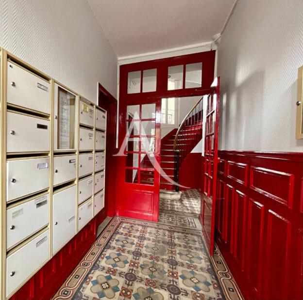 agence immobilière ouverte le samedi: 2 pièces 36 m², hall d'entrée, très bien entretenu