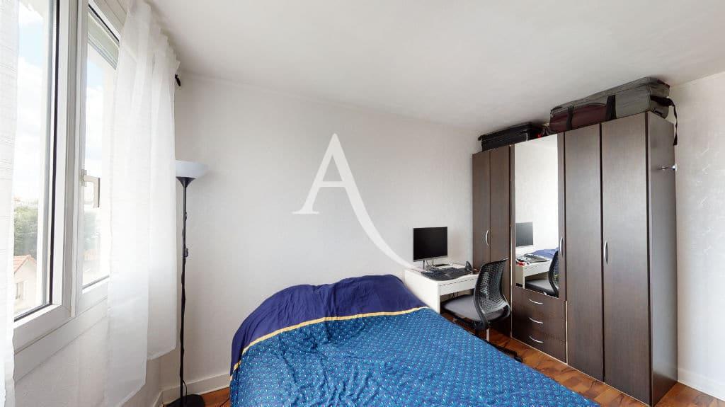 agence immo maison-alfort: 3 pièces 68 m², première chambre double claire