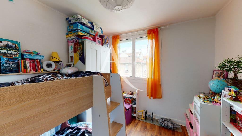 agence immo maisons alfort: 3 pièces 68 m², seconde chambre lit double enfant