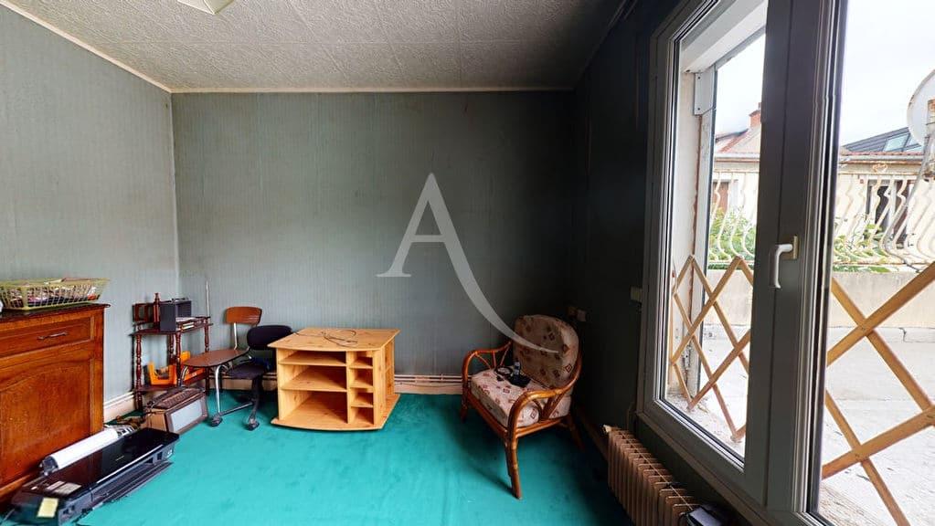 achat maison alfortville: 5 pièces 90 m² avec studio, lambris au plafond