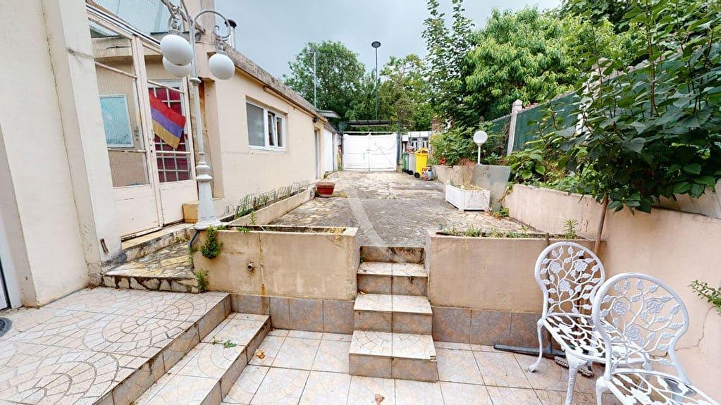 faire estimer maison alfortville: 5 pièces 90 m², entrée par la cuisine, terrain 200 m²
