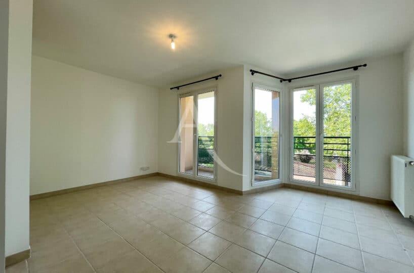achat appartement alfortville: 3 pièces 60 m², séjour lumineux donnant sur un balcon, 10 minutes du rer d vert de maison
