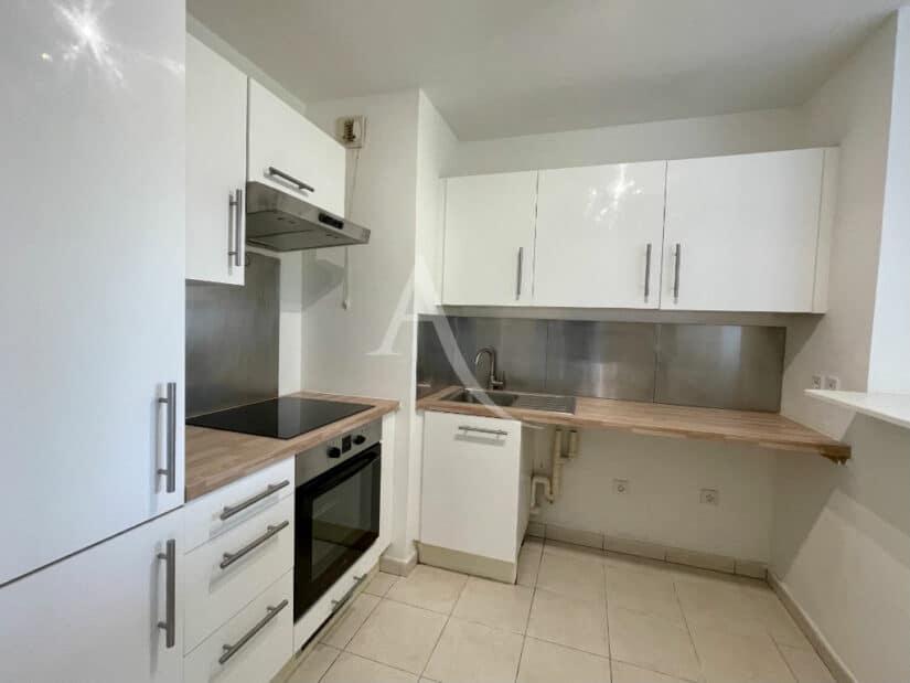 appartement a vendre alfortville: 3 pièces 60 m², cuisine semi ouverte aménagée et équipée