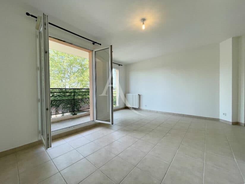 appartement à vendre à alfortville: 3 pièces 60 m², séjour lumineux avec balcon