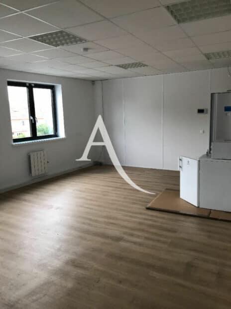 direct immobilier alfortville: 2 pièces 104 m², bureau avec espace cuisine