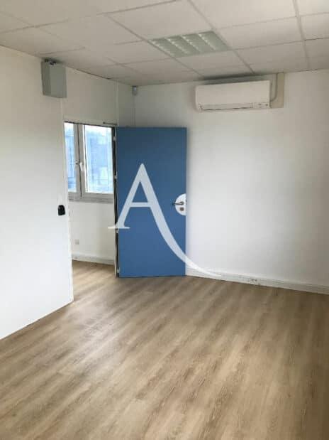 adresse alfortville: 2 pièces 104 m², bureau séparé par une porte, climatisation