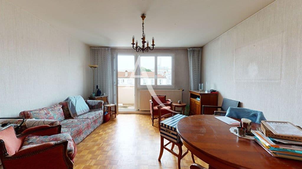 achat appartement alfortville: 4 pièces 75 m², séjour donnant sur balcon, parking aérien et box fermé, proche métro école vétérinaire