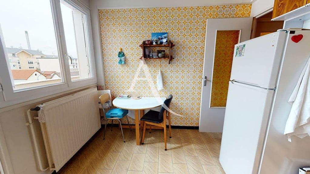 appartement à vendre à alfortville: 4 pièces 75 m², cuisine séparée avec loggia