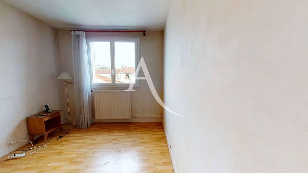 alfortville vente appartement: 4 pièces 75 m², chambre à coucher en bon état