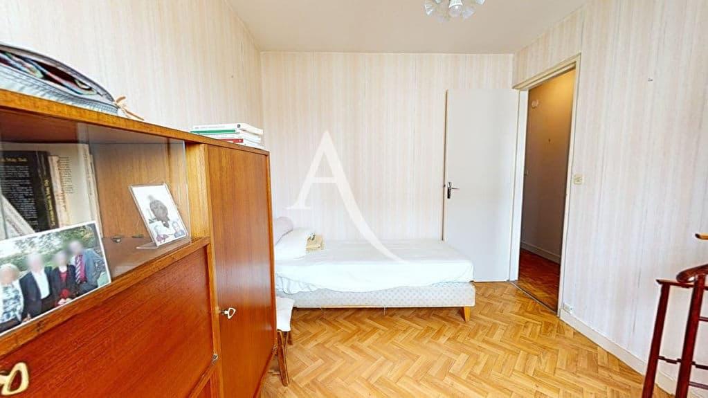 agence immo alfortville: 4 pièces 75 m², chambre à coucher, plafonnier