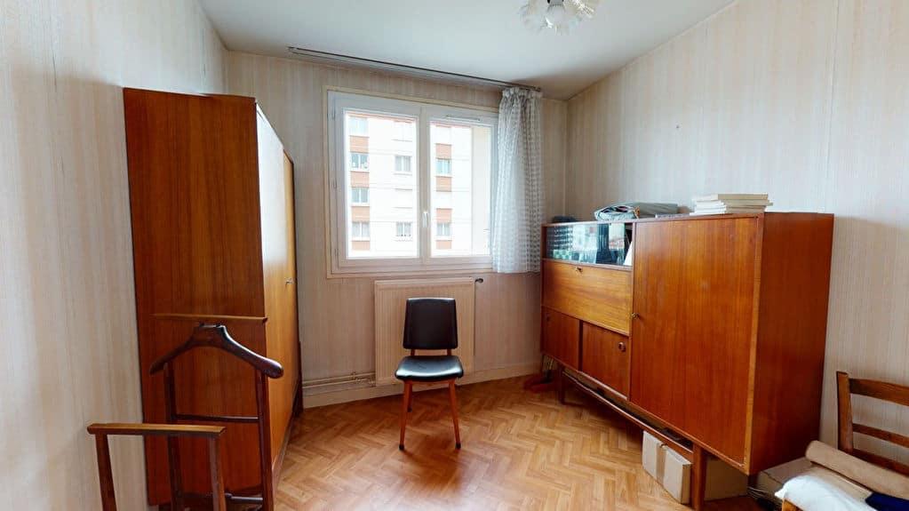 appartement alfortville: 4 pièces 75 m², chambre à coucher lumineuse