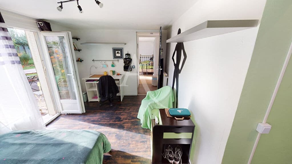 agence immobilière alfortville: 5 pièces 111 m², première chambre lit double en rez de jardin