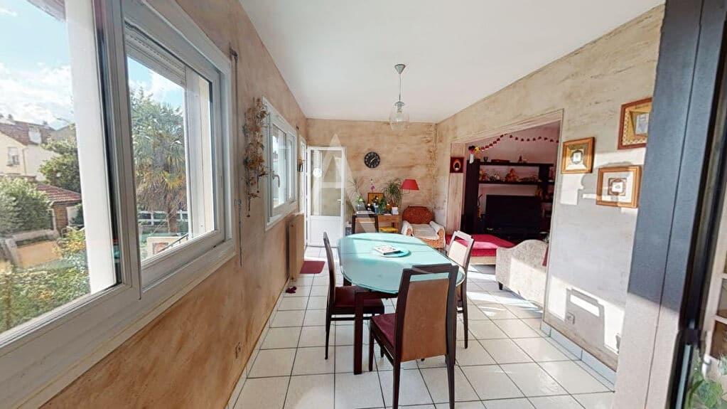 appartement alfortville: 5 pièces 111 m², coin salle à manger de la pièce principale