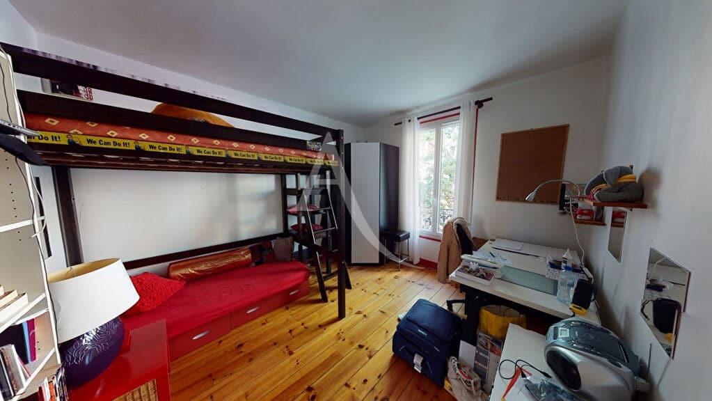alfortville immobilier: 5 pièces 111 m², chambre 2 avec lit en mezzanine