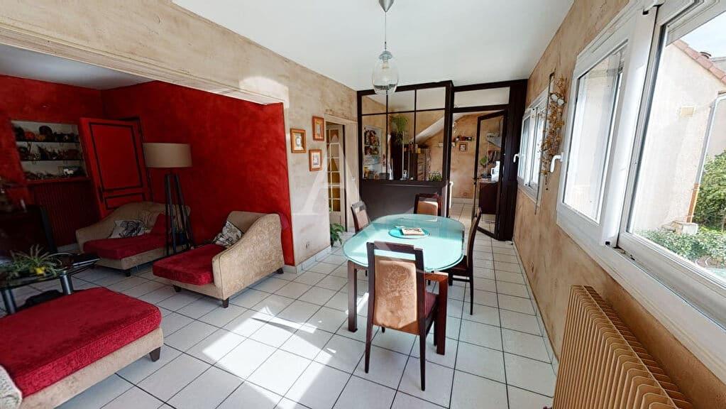 pinel alfortville: 5 pièces 111 m², séjour / salle à manger