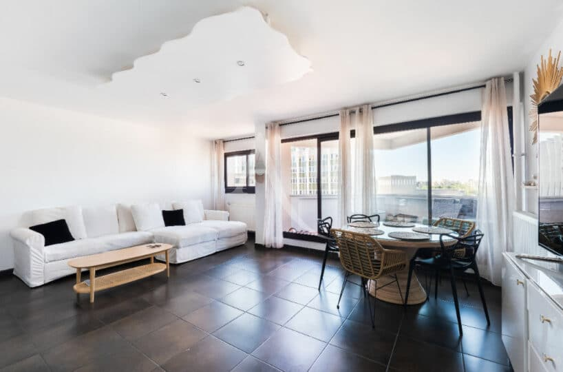 achat vente appartement: 4 pièces 83 m², séjour lumineux avec balcon