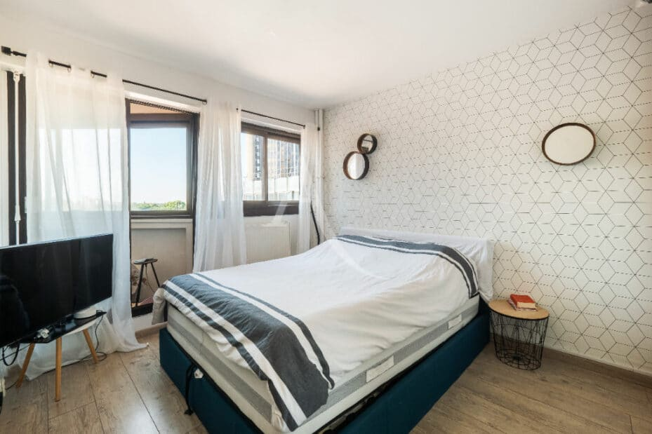 agence immo 94: 4 pièces 83 m², chambre à coucher parentale, lit double