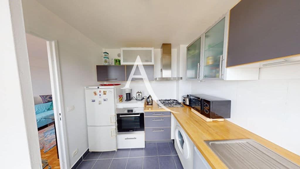 agence immobilière alfortville: 2 pièces 41 m², cuisine indépendante avec coin repas