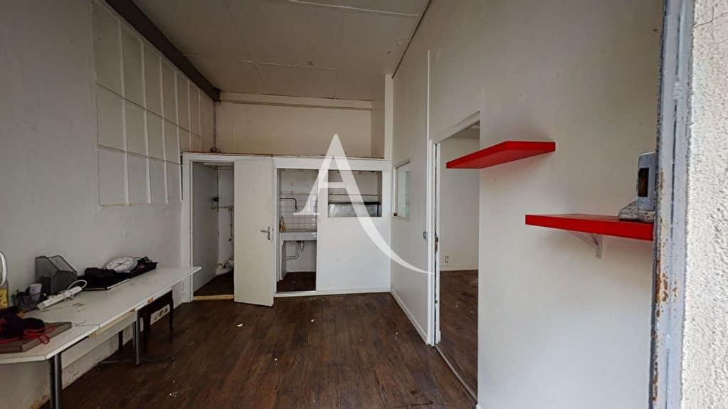 appartement à vendre à alfortville: 2 pièces 48 m², entrée coin cuisine et accès pièce principale