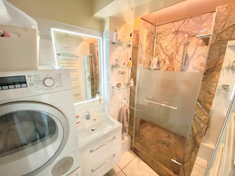 achat appartement charenton le pont: 3 pièces 66 m², sale d'eau avec branchements lave linge