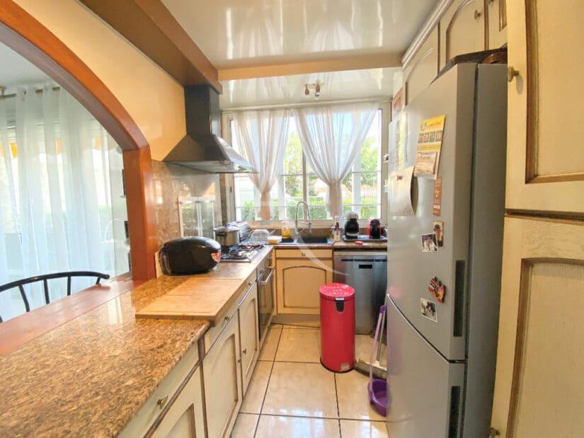appartement à vendre à charenton: 3 pièces 66 m², cuisine semi ouverte aménagée