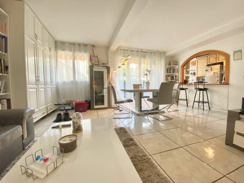 agences immobilières charenton le pont: 3 pièces 66 m², séjour double cuisine ouverte et accès balcon