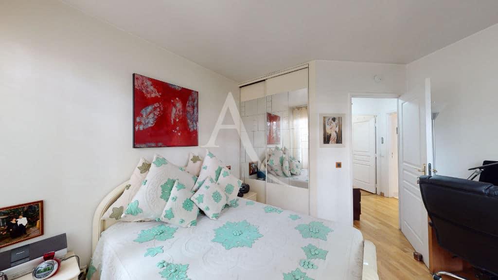 appartement à vendre à charenton-le-pont: 3 pièces 71 m², chambre avec armoire encastrée