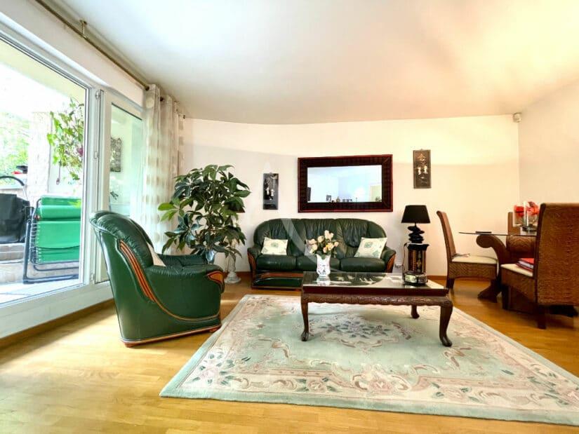 agence immobilière charenton le pont: 3 pièces 71 m², séjour lumineux, parquet au sol