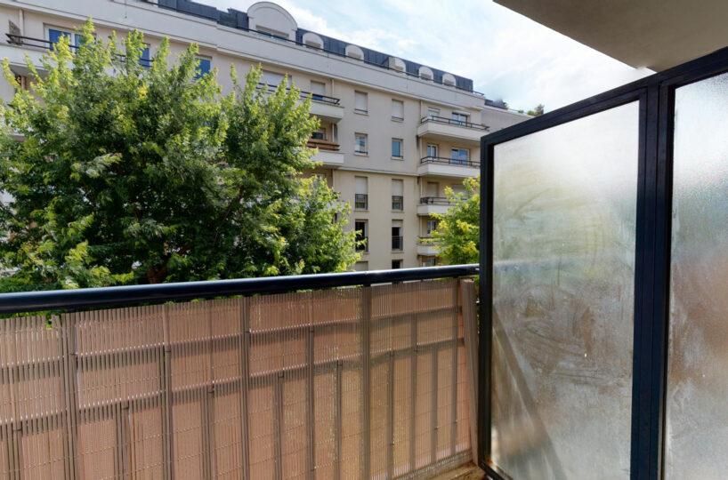 agence de location appartement: 2 pièces 44 m² avec parking et balcon