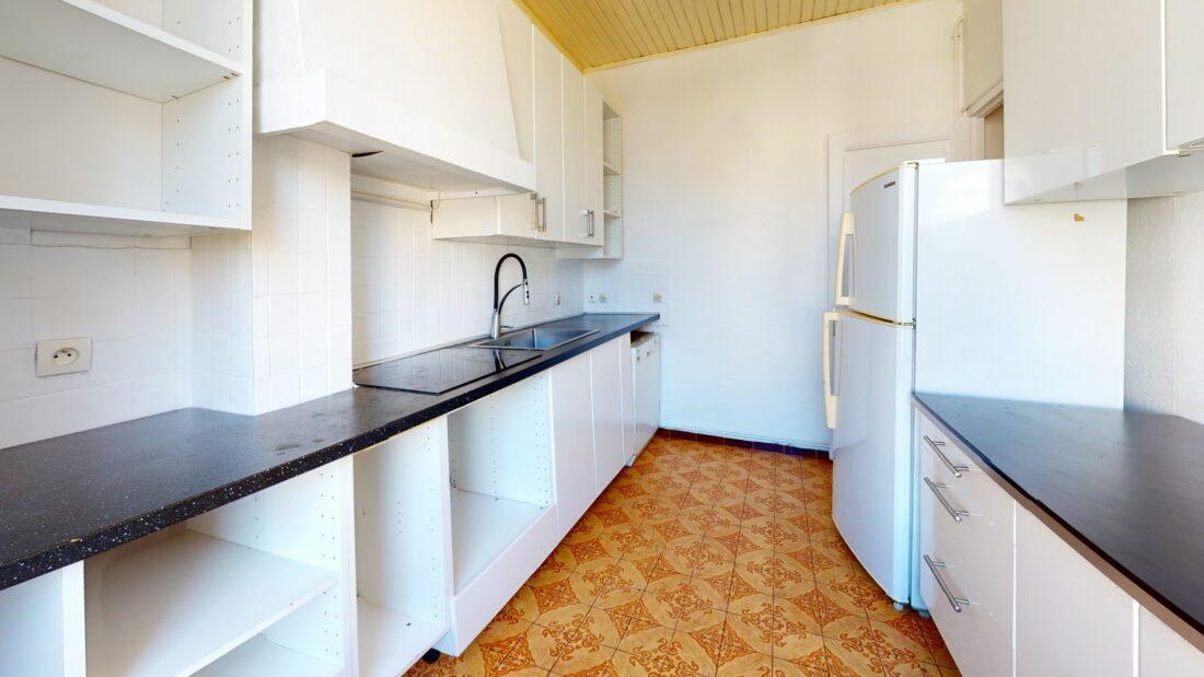 agence immo maisons-alfort: 3 pièces 52 m², cuisine complètement rénovée