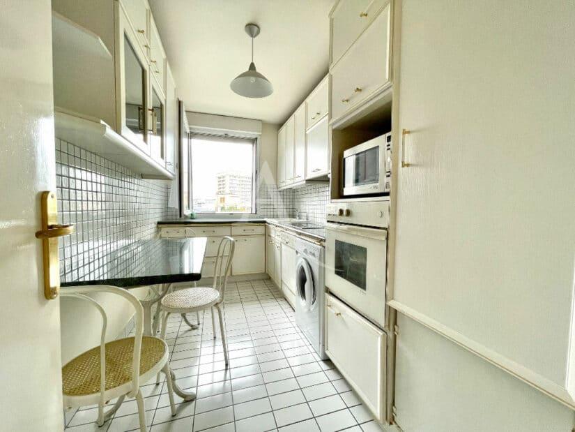 agence immobilière charenton-le-pont: 3 pièces 70 m², cuisine aménagée