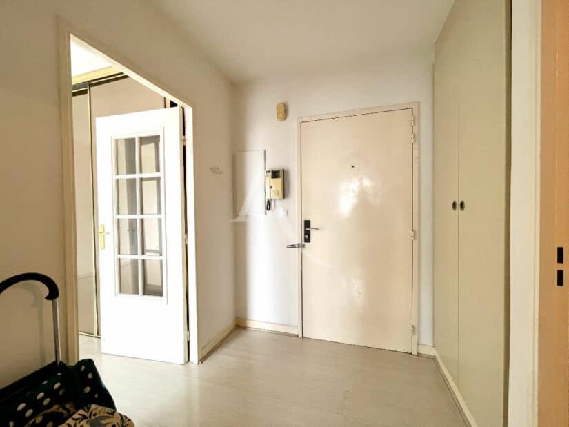 achat appartement charenton le pont: 3 pièces 70 m², hall d'entrée avec rangements