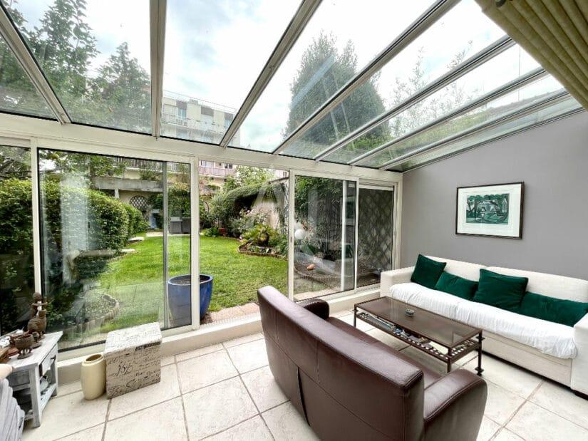 appartement charenton le pont: 3 pièces 82 m² avec véranda donnant directement sur un jardin privatif de 188 m²