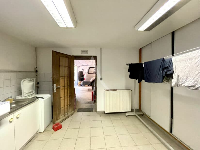 immo maisons alfort: 6 pièces 140 m², buanderie avec nombreux rangements