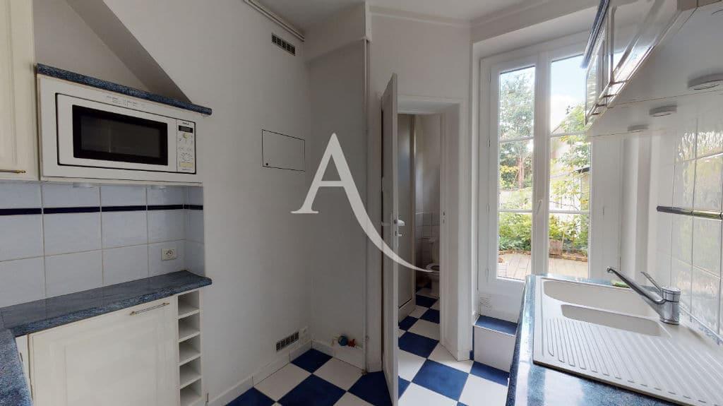 agence immo maisons-alfort: 3 pièces 53 m², cuisine indépendante aménagée