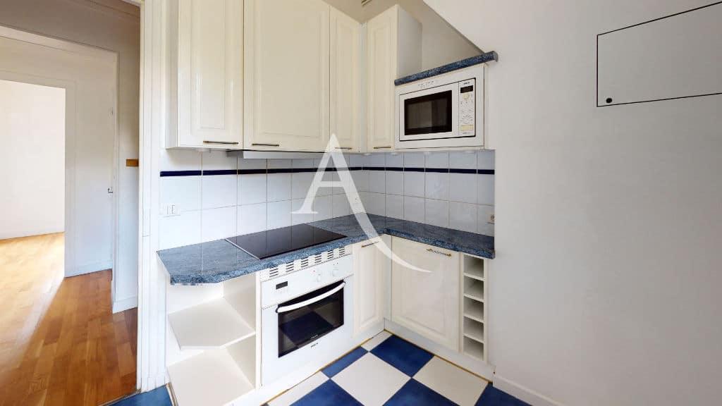 location appartement maisons alfort: 3 pièces 53 m², cuisine séparée, équipée avec rangements