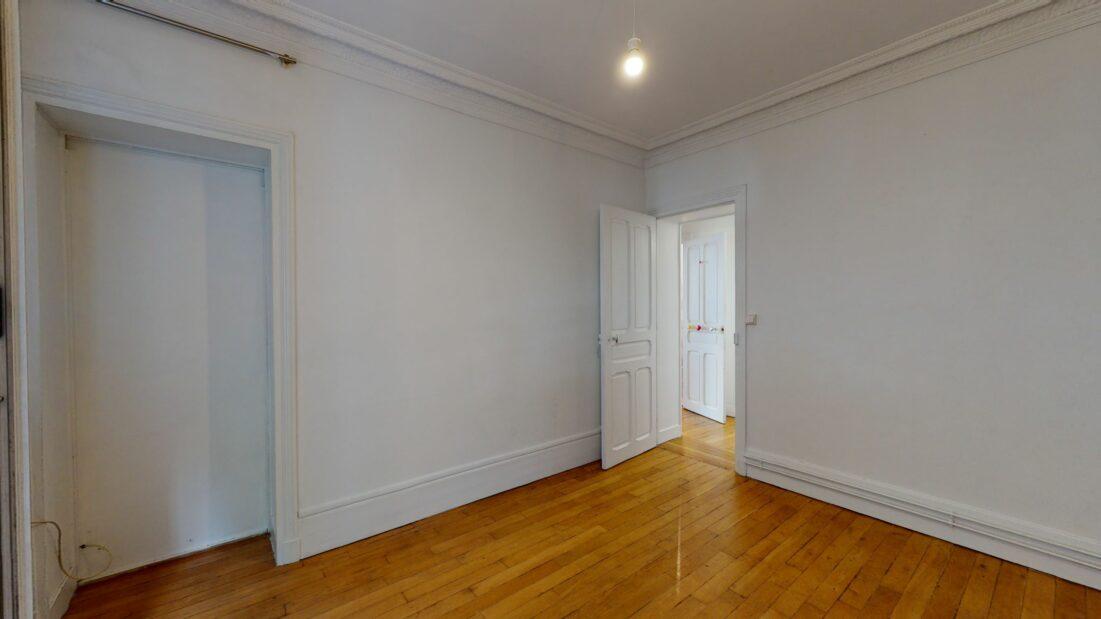 appartement a louer maison alfort: 3 pièces 53 m²,  dans un bel immeuble bourgeois des années 1930