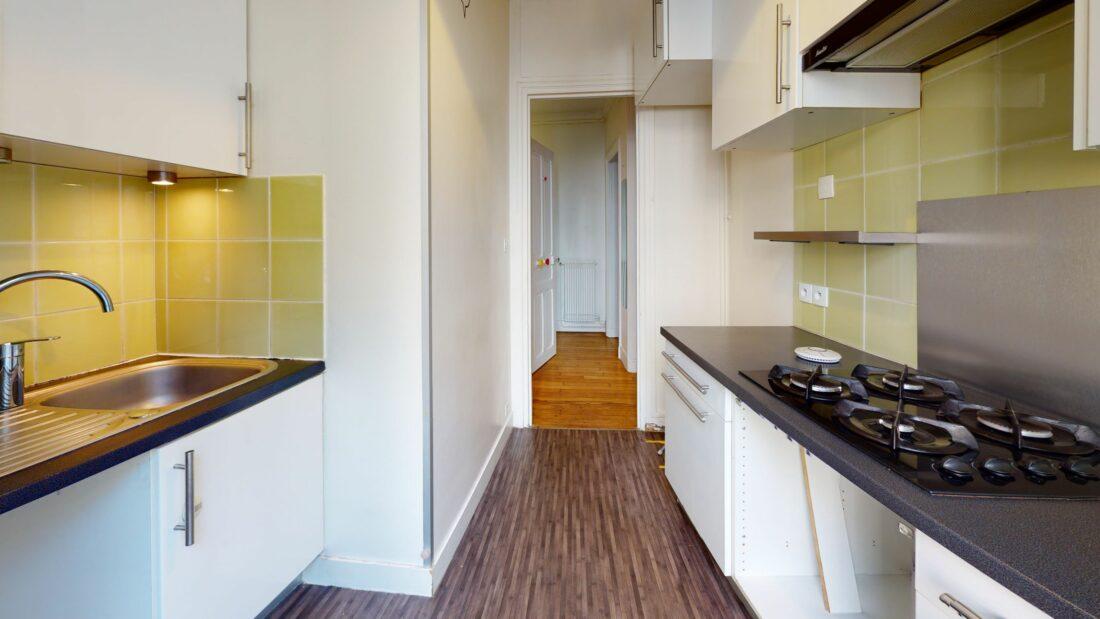 location appartement maison alfort: 3 pièces 53 m², cuisine aménagée (rangements, plan de travail , plaques, hotte)