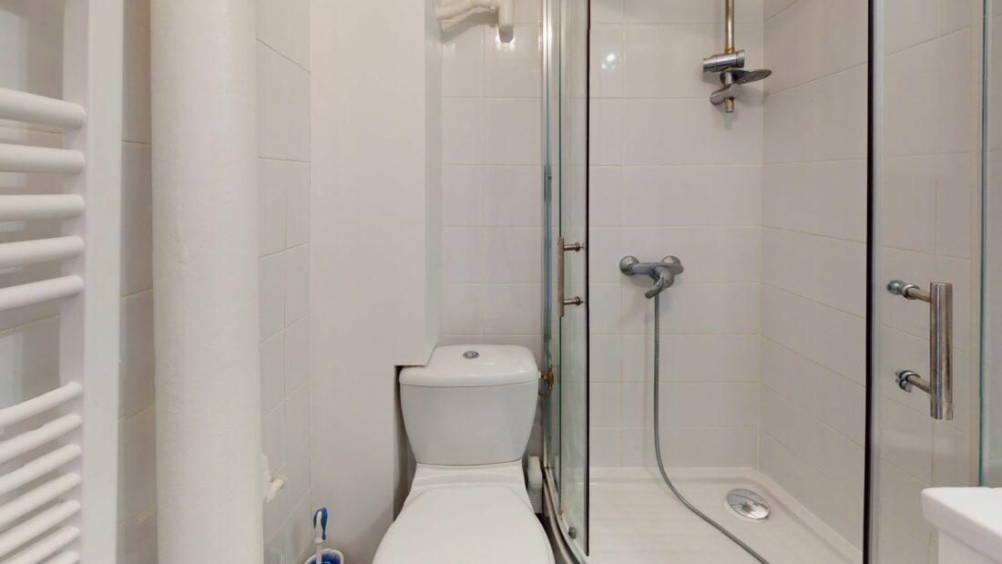 agence immobilière charenton-le-pont: 2 pièces 32 m², salle d'eau avec chauffe-serviettes