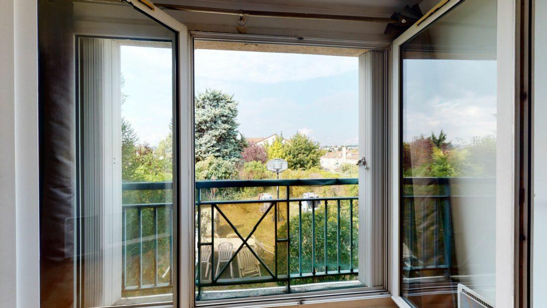 agence immobilière val de marne: studio 37 m², beau séjour lumineux avec vue sur jardin