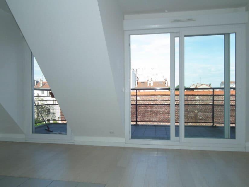 alfortville appartement location: 2 pièces 40 m², grand séjour avec porte fenêtre vers le balcon