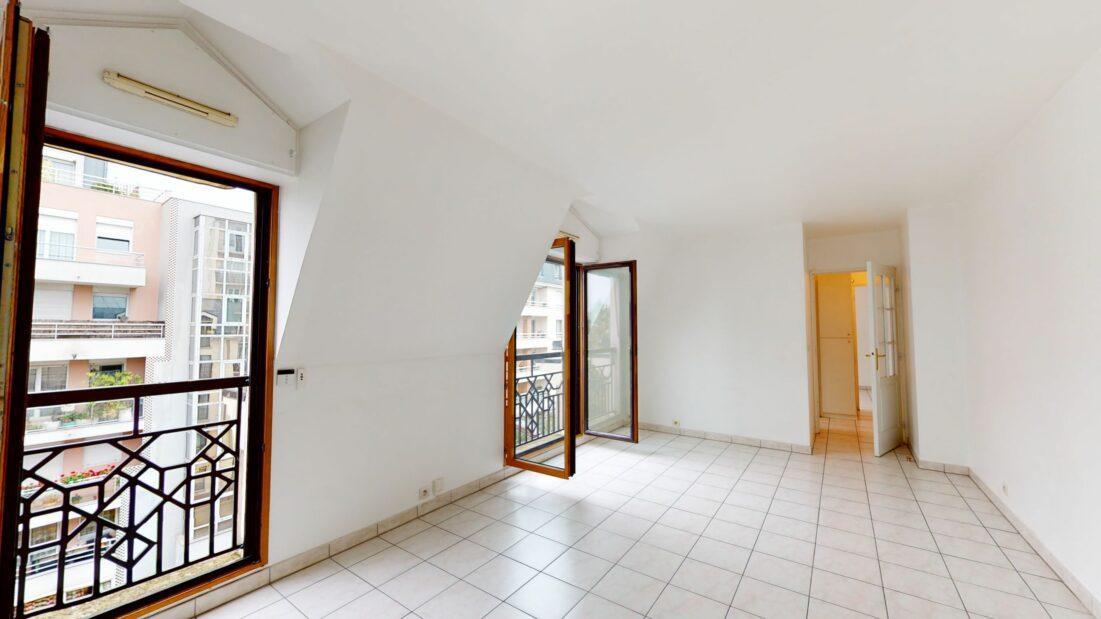 location appartement charenton le pont: 2 pièces 48 m², séjour entièrement carrelé