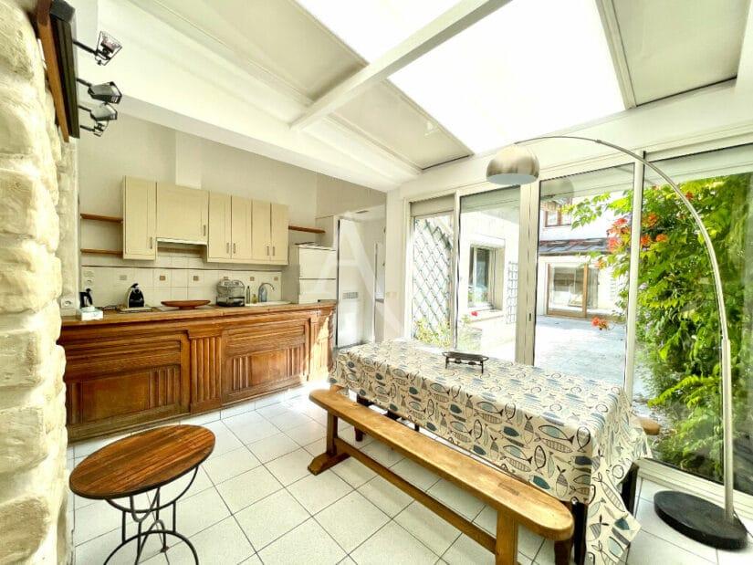 vente appartement maisons alfort: 4 pièces 102 m², espace repas avec cuisine ouverte équipée