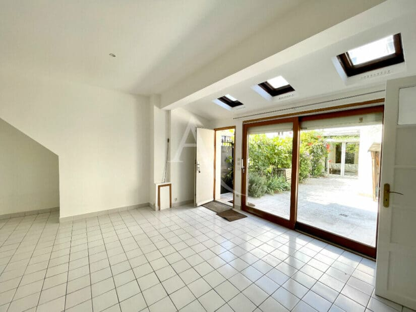 appartement à vendre à maisons alfort: 4 pièces 102 m² dont studio en dépendance