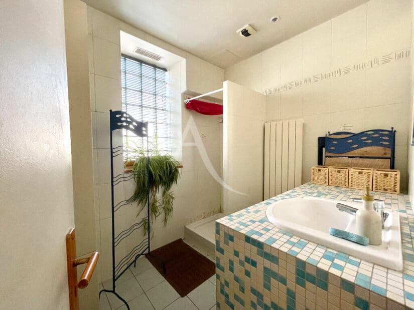 vendre son appartement à maisons-alfort: 4 pièces 102 m², seconde salle d'eau