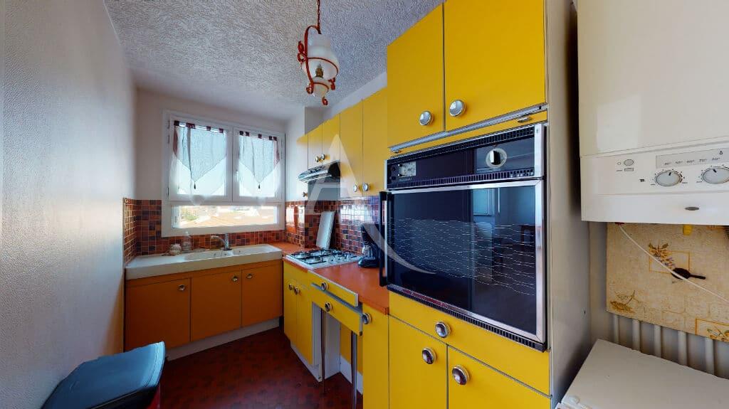 agence immobilière alfortville: 4 pièces 65 m², cuisine séparée aménagée et équipée