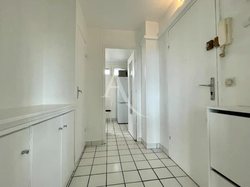 agences immobilières charenton le pont: 3 pièces 65 m² meublé, entrée avec nombreux rangements