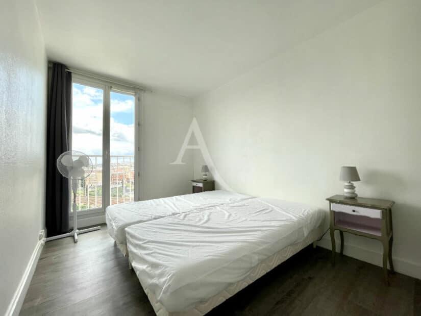 louer appartement charenton-le-pont: 3 pièces 65 m² meublé, chambre parentale vue dégagée