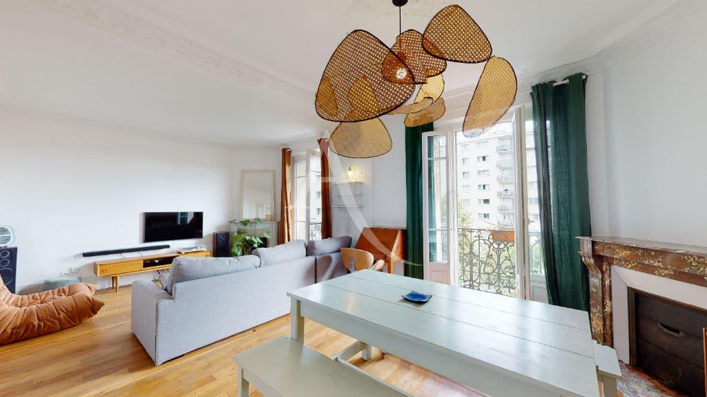 agence de location appartement: 2 pièces meublé 55 m², double séjour avec balcon
